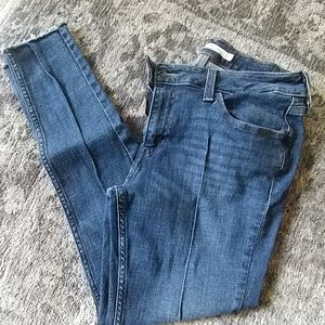 Levi's 535 Super Skinny with pleat down front